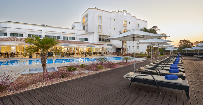 Dona Filipa Hotel - 7 Nights BB & 5 Golf Rounds - PRO Package